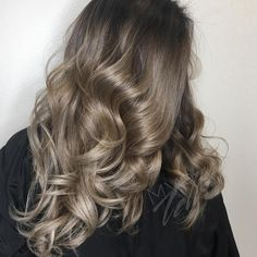 #ombre #melt #dallas #curlyhair #goals See this Instagram photo by @myratheartist • 16 likes