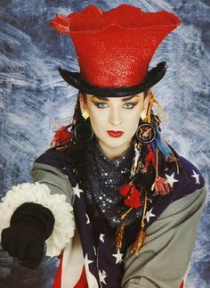 I would kill to have bone structure like that...I'm sure Boy George would, too.