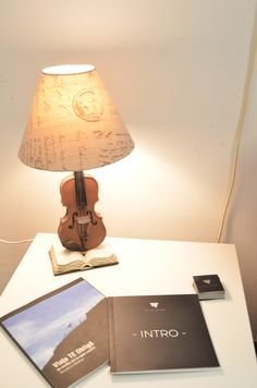 Smiley, Showroom, Table Lamp, Home Decor, Emoticon, Lamp Table, Decoration Home, Room Decor, Table Lamps