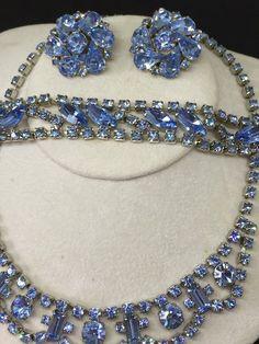 Unsigned Weiss 1950s Carmen Sky Blue Rhinestone Bracelet /& Earrings Set