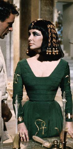 'Cleopatra' (1963). Elizabeth Taylor in green. Costume Designer - Irene Sharaff.