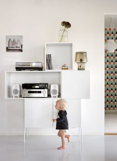 lundia fuuga - for the kids Lund, Floating Nightstand, New Homes, Cabinet, Living Room, Interior Design, Table, Haku, Small Things