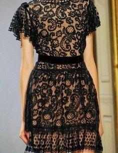 Fabuloso encaje color negro...