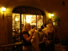 Ristorante il Latini, Florence: enjoying samples while waiting in line! Soooo good~