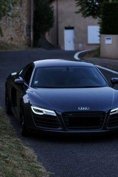 Luxury Car Audi R8