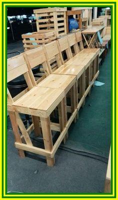 New Wood Pallet Outdoor Bar Stools 17 Ideas Pallet Bar Stools, Pallet Stool, Diy Bar Stools, Outdoor Bar Stools, Pallet Patio, Diy Pallet Furniture, Diy Pallet Projects, Outdoor Lounge, Furniture Design