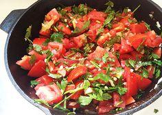 Meatless Monday: Fresh & Easy Herb Tomato Sauce | Reboot With Joe      2 tbsp olive oil     10 tomatoes     4 cloves garlic     1 onion     1 handful fresh parsley     1 tsp cumin     1 tbsp dried oregano     1 tbsp dried thyme     1/2 tbsp old bay seasoning     sea salt to taste (about 1/2 tsp)     fresh ground pepper to taste (about 1/2-1 tsp)