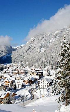 approfitta della tranquillità della stagione invernale per conoscere le mete più belle del trentino advantage of the tranquility of the winter season to learn about the most beautiful destinations in Trentino www.swadeshi.it