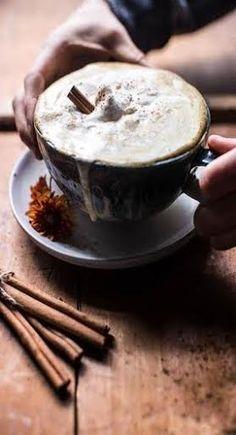Toasted Coconut Chocolate Pumpkin Spice Latte with Chocolate Drizzle - Half Baked Harvest Pumpkin Spiced Latte Recipe, Pumpkin Spice Syrup, Pumpkin Recipes, Fall Recipes, Diy Pumpkin, Pumpkin Puree, Beste Cocktails, Café Chocolate, Pause Café