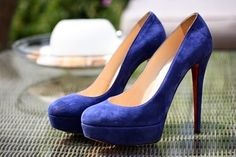 Magníficos zapatos de moda elegantes para señoritas