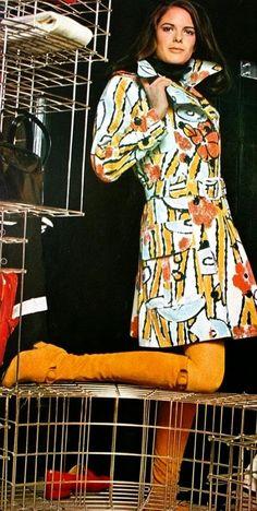 Emanuel Ungaro, Trenchcoat (print by Sonja Knapp), in Marie France, 1970