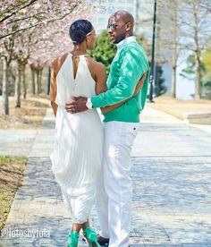 Love & spring is in the air. ♡ Don't forget, clocks spring forward in the USA tonight! A lovely couple photographed by: @fotosbyfola #Engaged #Couples #BlackBride #BlackBride1998 #BridesofColor #BlackBrides