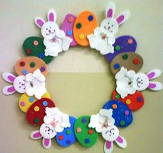 Easter wreath craft ideas We prepared a funny story and easy Easter wreath craft ideas for you lets check! Read the story then select your Easter wreath activity. Bunny Crafts, Easter Crafts For Kids, Felt Crafts, Spring Crafts, Holiday Crafts, Couronne Diy, Diy Ostern, Easter Art, Easter Decor