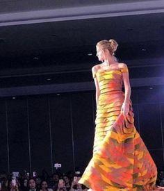 Miss Venezuela Mariam Habach   en uno delos Desfiles realizados como parte de las Actividades en Filipinas.. by Antoni  Azocar..