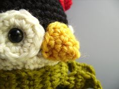 221faec2004 nice knitted penguin Hand Crochet