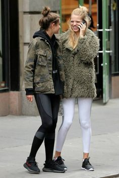 Taylor Hill and Daphne Groeneveld out in New York City on May Best Street Style, Model Street Style, Street Style Women, Taylor Hill Style, Taylor Marie Hill, Street Style Inspiration, Taylor R, Daphne Groeneveld, Military Looks