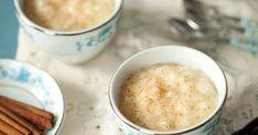 V nadpise nepreháňame! Tieto tri varianty ryže, sú presne tým sladkým, na ktoré máte chuť vtedy, keď netušíte na čo vlastne máte chuť. Ceramic Dog Bowl, Cheeseburger Chowder, Dog Bowls, Chalkboard, Pudding, Ceramics, Health, Food, Rice Puddings