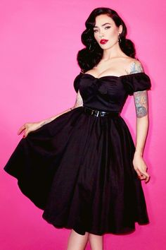 Dieses 50s Vixen Hair And Make Up Swing Dress