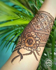 Khafif Mehndi Design, Floral Henna Designs, Mehndi Designs Feet, Latest Bridal Mehndi Designs, Full Hand Mehndi Designs, Henna Art Designs, Modern Mehndi Designs, Mehndi Designs For Beginners, Mehndi Designs For Girls