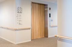介護付有料老人ホーム あべやま : UMA / design farm Hospital Signage, Cabinet Medical, Hospital Health, Clinic Interior Design, Sign System, Hospital Design, Inside Design, Signage Design, Clinique