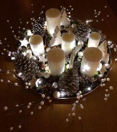 Der Tannenzapfen kommt zu Weihnachten - Home Decoration Ideas - Classy Christmas, Noel Christmas, Rustic Christmas, Christmas Crafts, Magical Christmas, Christmas Ideas, Christmas Tables, Nordic Christmas, Modern Christmas