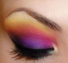 i am so into this ombre eyeshadow look right now...fun to play around with!