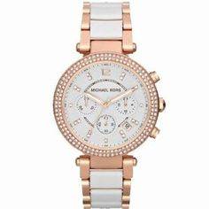 Ladies Michael Kors Parker Rose and White Watch. Michael Kors offsets feminine colours with masculine designs. This large style chronograph watch exudes luxury with rose and white bracelet, teamed with cubic zirconia set bezel creating an attractive, styl Gucci Purses, Chanel Handbags, Mk Handbags, Fashion Handbags, Marken Outlet, Mode Rose, Jewelry Accessories, Fashion Accessories, Gold Jewelry