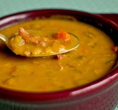 THE YUM YUM FACTOR: SPLIT PEA SOUP WITH HAM: ~ Split pea soup is kind of like the Toyota Carolla of soups. Not super exiting, not the sexiest but dependable, well made and always delicious and it gets great mileage in the city. Split Pea Ham Soup, Pea And Ham Soup, Pea Soup, Soup Recipes, Cooking Recipes, Healthy Recipes, Slow Cooker Soup, Soup And Salad, Soups And Stews