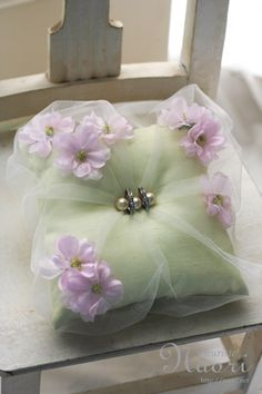 Love this sweet idea for pincushion! Wedding Pillows, Ring Pillow Wedding, Wedding Trends, Diy Wedding, Dream Wedding, Ring Bearer Pillows, Ring Pillows, Afghan Wedding, Cherry Blossom Wedding