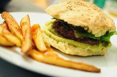 Street Food, Cuisine du Monde: Recette d'hamburger aux lentilles corail, avocat, ...