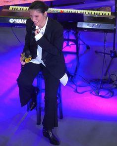 9d0dc9f1557 Singer  ElisaToffoli wearing  SteveMadden during her  Radio105 showcase Steve  Madden
