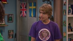 The Suite Life on Deck screencaps. Sprouse Bros, Cole M Sprouse, Dylan Sprouse, Suit Life On Deck, Cody Martin, Old Disney Shows, Zack Y Cody, Suite Life, Having A Crush