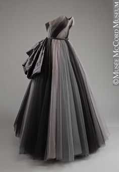 Robe du soir. Digby Morton. Vers 1954 / Evening dress. Digby Morton. About 1954