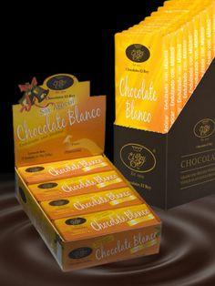 Chocolate Blanco Sin Azúcar - Este chocolate tiene una textura suave, lechosa y sedosa y está diseñado específicamente para personas que no pueden o no deben consumir azúcar. Para ello, sustituimos el azúcar por el edulcorante natural Maltitol. Ideal para todo tipo de repostería y para comer directamente.
