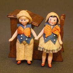 Puppenstuben zubehor Schule , Hertwig all bisque doll , Flapper dolls by Hertwig