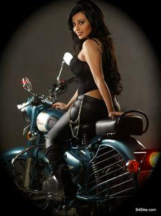Royal Enfield Biker Girl. Hell yeah....she is smokin hot!!