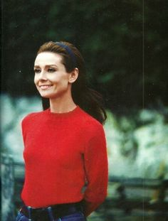 Audrey Hepburn -- that colorway! Red and green #styleicon