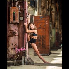 Sophia Lucia by sharkcookie Dance Moms, Just Dance, Dance Senior Pictures, Dance Photos, Gymnastics Poses, Gymnastics Pictures, Flexibility Dance, Dance Photography Poses, Dance Photo Shoot