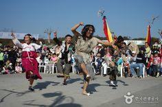 Icheon Rice Cultural Festival (이천쌀문화축제), Korea | NonPeakTravel.com