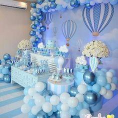 Tema Balões com o lindo painel sublimado da @party_sign. . Decoração @sonhoefestaoficial . . . Solicite já seu orçamento, enviam para o mundo todo 📦✈️➡🏠 📬 Email: contato@partysign.com.br ☎ Fone: (19) 3626-6955 ☎ WhatsApp: (19) 99451-2756 #painel #paineltecido #painelemtecido #painelsublimado #partysign #festa #sublimacao #party #festabaloes Girl Baby Shower Decorations, Boy Baby Shower Themes, Baby Shower Balloons, Baby Shower Centerpieces, Baby Boy Shower, Christening Balloons, Baby Boy 1st Birthday, Wedding Scene, Bernardo