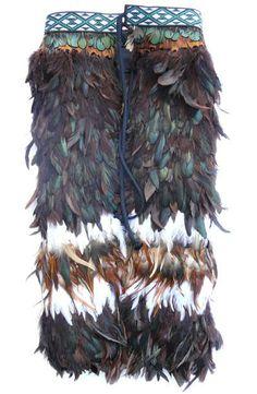 This beautiful handmade Maori Feather Korowai Cloak , or kahu huruhuru, is made for a baby child. Flax Weaving, Weaving Art, Maori Patterns, Polynesian People, International Craft, Long White Cloud, Maori Designs, Maori Art, Kiwiana