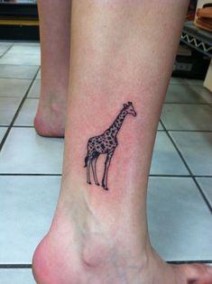 smal_pretty_giraffe_tattoo_on_leg.jpg (736×985)