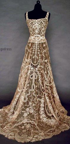 vintage dress... With some alterations and minor changes this would be beautiful as a wedding dress