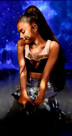 Ariana Grande - Moonlight Dangerous Woman Tour 2017