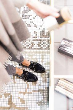 Ausgiebige Shoppingtouren gemeinsam mit Deinen Lieblings-Slippern verbringen. #paulgreen #derschuhmeineslebens #shoppingday #shopping