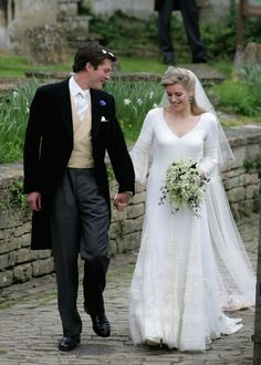 Sara Buys at her wedding to Tom Parker Bowlesson of Camilla
