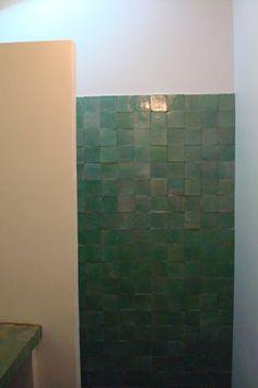 1000 images about badkamer on pinterest bathroom utrecht and met. Black Bedroom Furniture Sets. Home Design Ideas