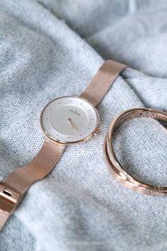 awesome Montre pour femme : Skagen www.womenswatchho…… awesome Ladies Watch: Skagen www. Trendy Watches, Cool Watches, Watches For Men, Cheap Watches, Fashion Accessories, Fashion Jewelry, Women Jewelry, Women's Fashion, Gold Accessories