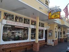 Looking for something to eat during your weekend getaway to Catalina Island? Check out  Original Jack's Country Kitchen