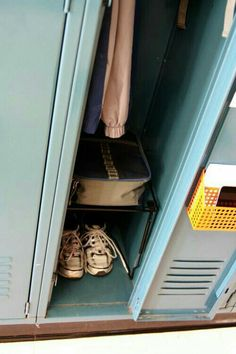 Back to School Organizing: Pimp My Locker Over The Top, Haikyuu, Kageyama, Nancy Wheeler, Eleanor And Park, Back To School Organization, Organizing School, Stranger Things Aesthetic, Steve Harrington